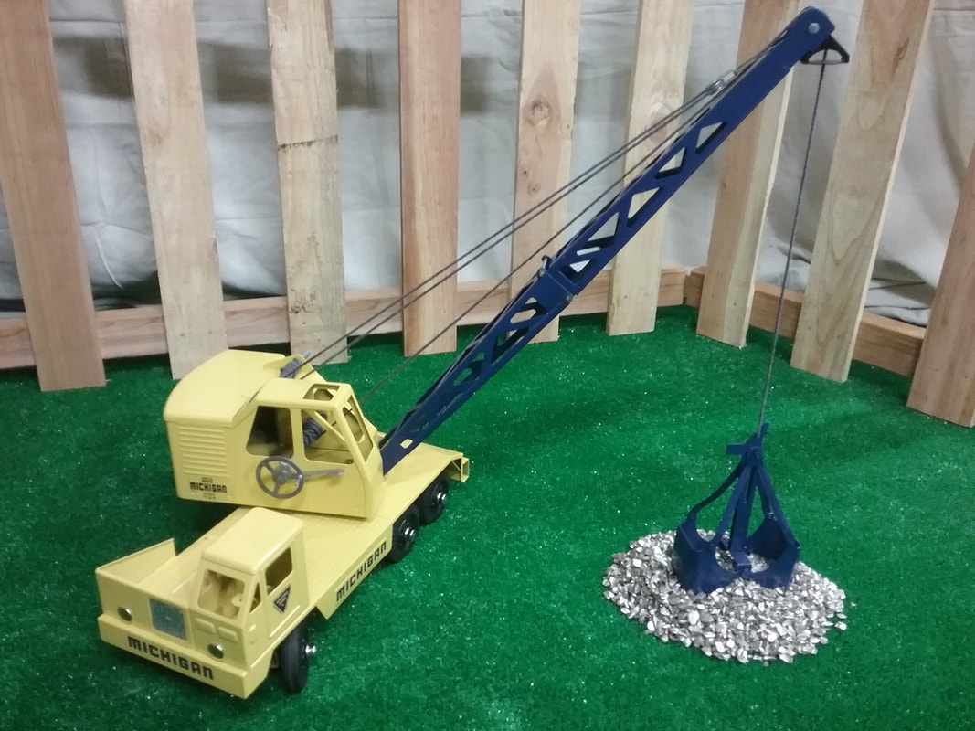 Nylint Michigan shovel crane toy