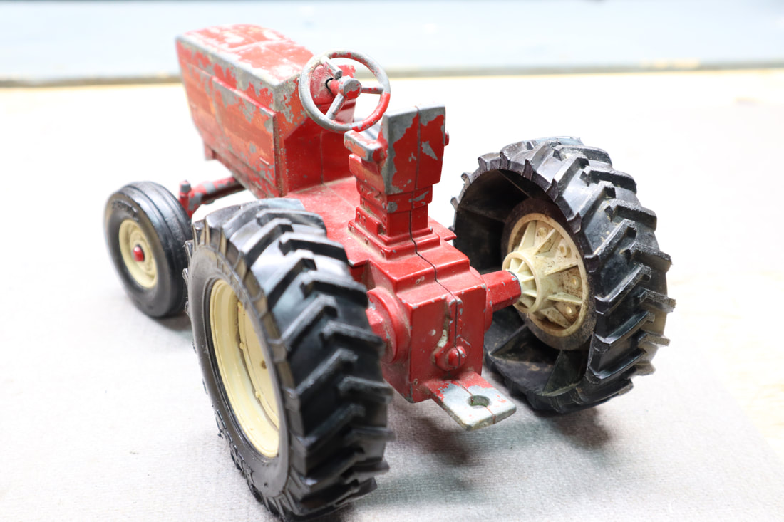ertl 3088 international toy tractor 415